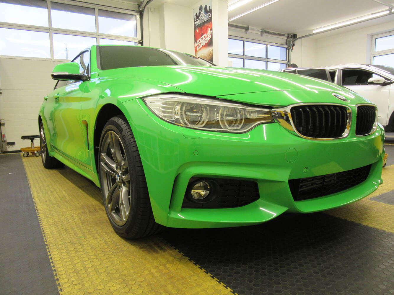 BMW Grans Tourismo in grasgreen gloss