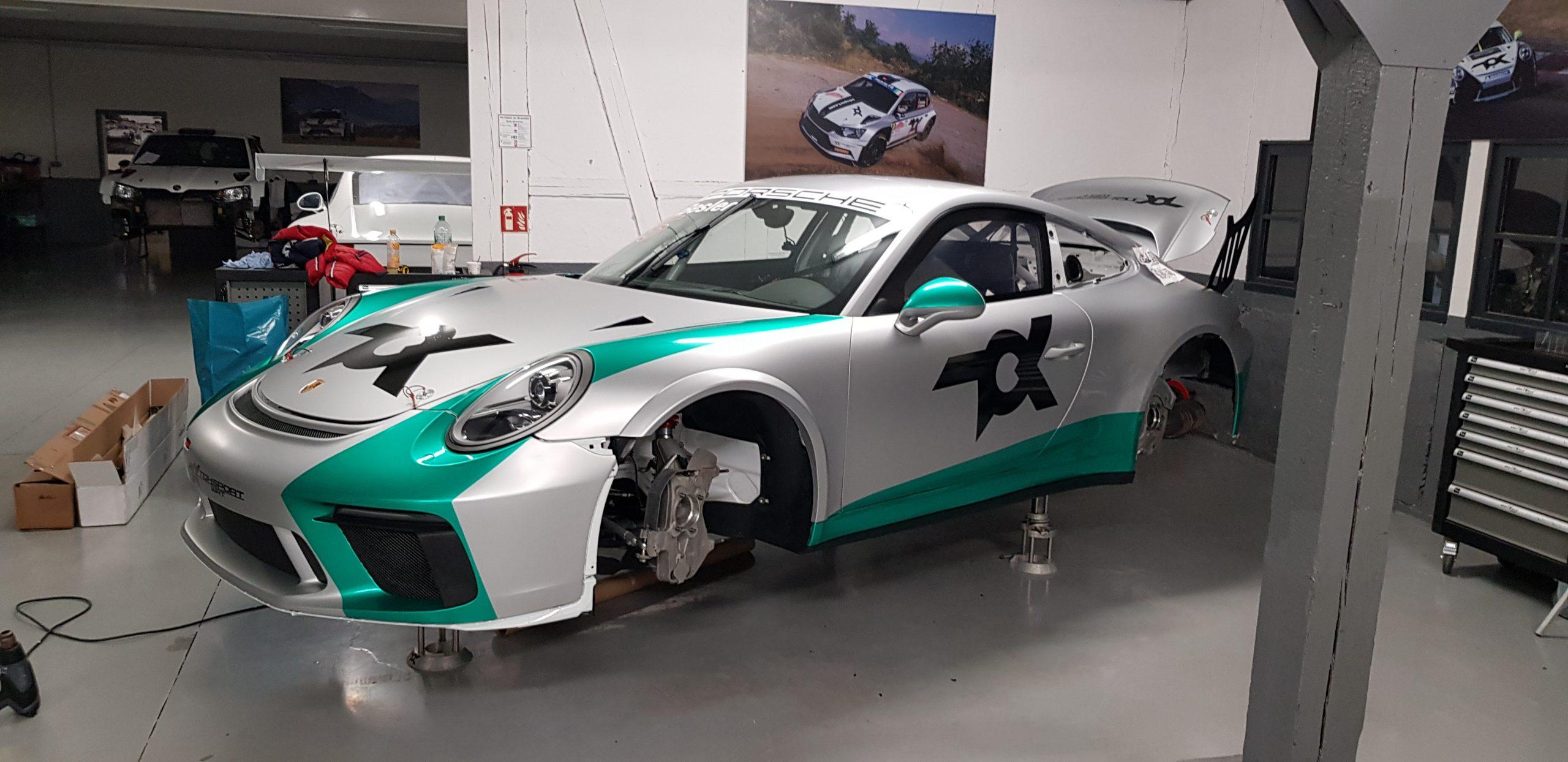 Toksport WRT Porsche GT3 RS silbermatt